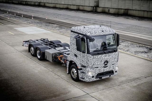 El Mercedes eTruck es una realidad, 26 toneladas de MA con motorización 100 por 100 eléctrica.