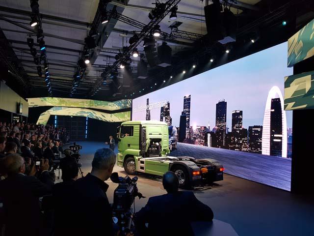 MAN también entra en el segmento de los camiones impulsados con motores eléctricos cero emisiones.