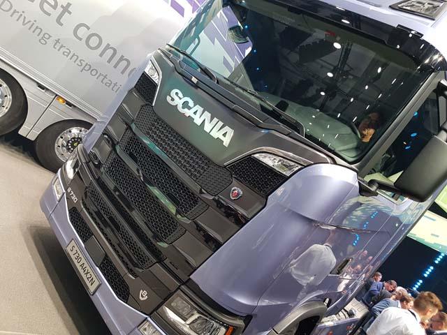 Scania ahora dispone de cabinas de piso llano en su nueva Serie S.