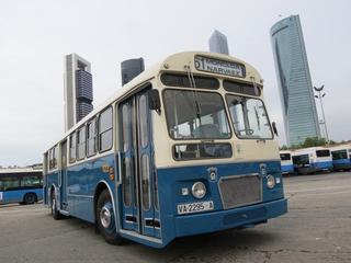 Un viaje en el tiempo gracias a la Asociación de Amigos del Autobús y la EMT sin salir de Madrid.