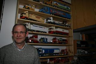 José Manuel, Chirrín, un auténtico artesano de los camiones en miniatura.