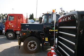 Los Mack también tuvieron su parte de protagonismo en la historia del transporte español.
