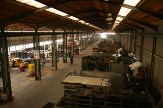Foima fabrica unas 300 grúas anualmente.