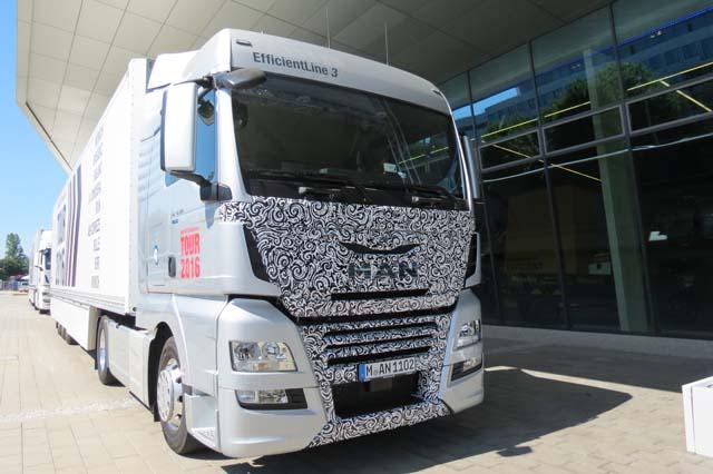 La tercera generación del MAN TGX Efficientline iniciando su tour de consumo desde la factoría de Munich.
