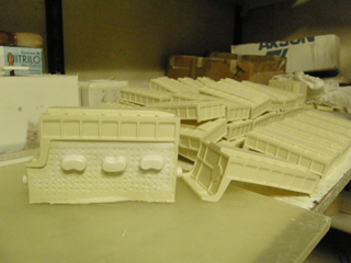 La fabricación en material de resina ofrece gran calidad de acabado.
