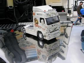 Algunos añoran su viejo camión y lo conservan en miniatura...