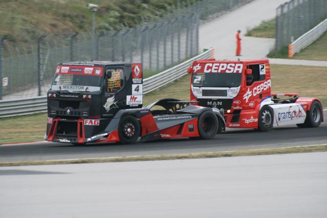 Oestreich con su Premium Corse es el piloto de Renault más destacado, en tercer puesto de la general tras Antonio Albacete.