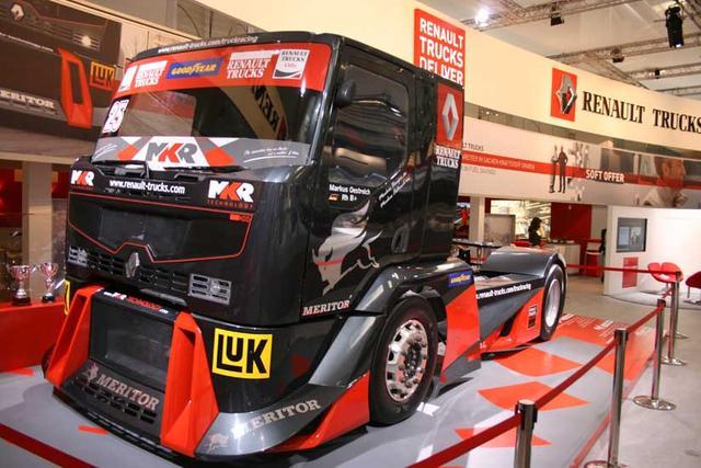Los Premium Corse de más de 1.200 CV son unos de los grandes animadores del europeo de carreras de camiones.