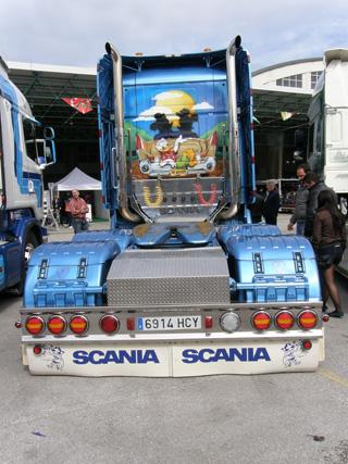 El pato Donald viaja cómodamente en este Scania.
