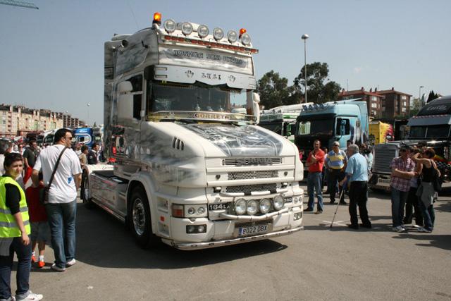 Otro buen ejemplo de Scania de morro estupendamente decorado.