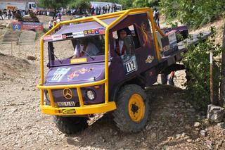 Los pequeños Unimog 4X4 de Mercedes son el camión más abundante en este campeonato.