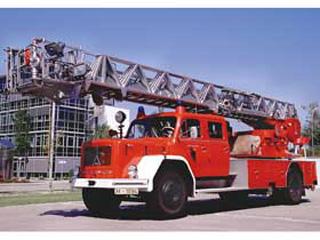 También de 1971, con la cabina tradicional de morro, el motor Deutz refrigerado por aire solía ser de 170CV.