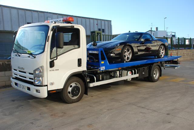 Este camión de 7,5 toneladas ofrece capacidad de carga pero requiere los requisitos de cualquier pesado.