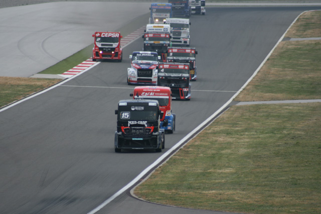 La temporada 2012 de carreras de camiones llega al circuito del Jarama en un momento de máxima emoción.