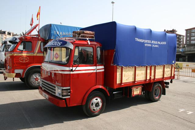 Los Ebro de la serie D revolucionaron el mercado al ser uno de los primeros camiones con cabina abatible.