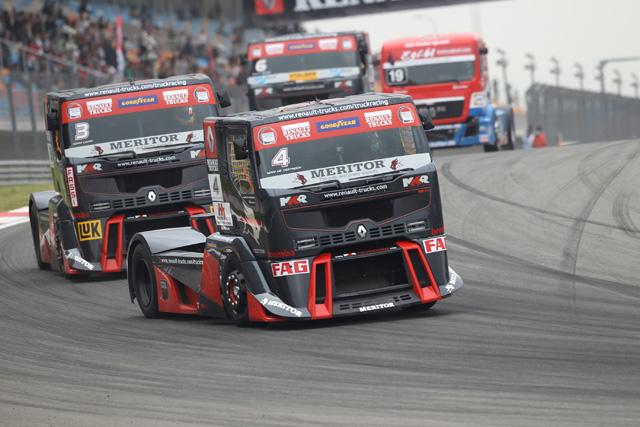 Tras los GP de Estambul y Misano los Renault Premium Corse dominan la clasificación por equipos.