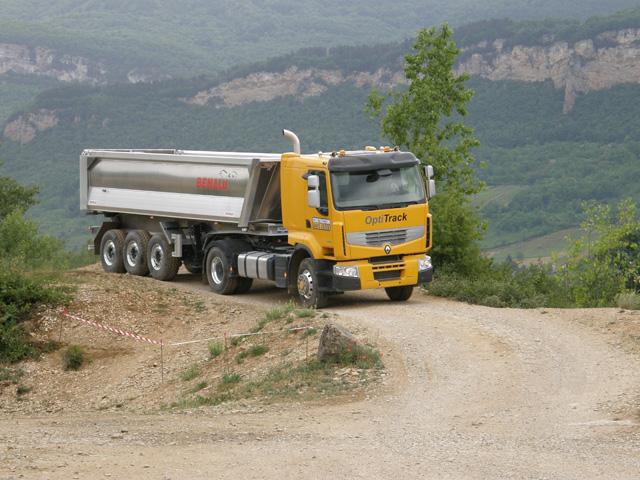Gracias a la tracción hidráulica Optitrack el Premium Lander se convierte instantáneamente en un 4X4.
