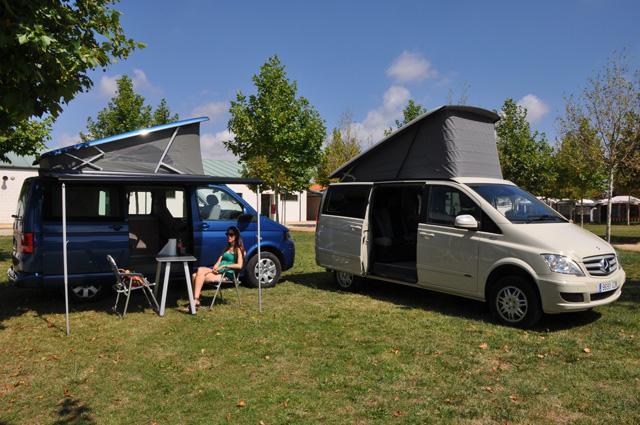 En ambos casos disponemos de vehículos capaces de alojar a cuatro ocupantes.