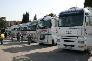 Un total de 240 camiones acudieron a la II edición de la concentración de camiones de Torrelavega.