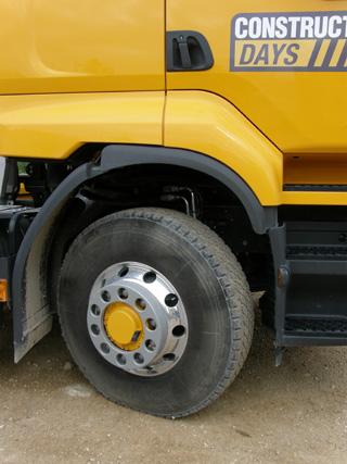 Los motores del sistema hidráulico Optitrack se sitúan en el buje de las ruedas delanteras.