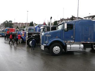 Una buena oportunidad para comparar la espectacularidad de los camiones europeos y americanos.
