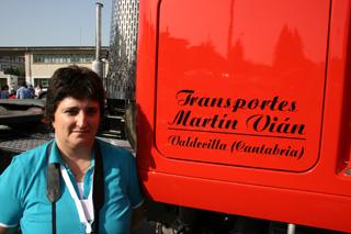 Begoña es una gran aficionada a la restauración de camiones clásicos.