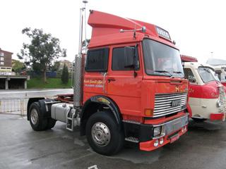 Muchos conocimos a Iveco gracias a esta espectacular tractora que sorprendía en España a principios de los 80.