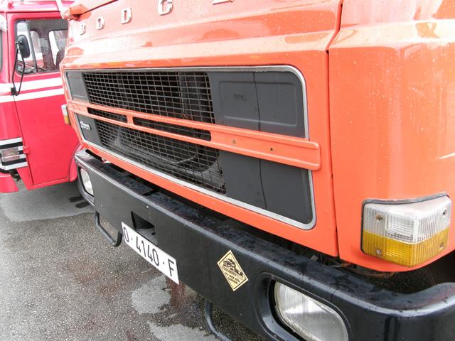 El mejor toque a un buen camión clásico es el adhesivo de una estupenda web.