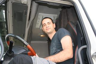 Iván García, un joven transportista autónomo, al volante de su FH 16 de 660CV.