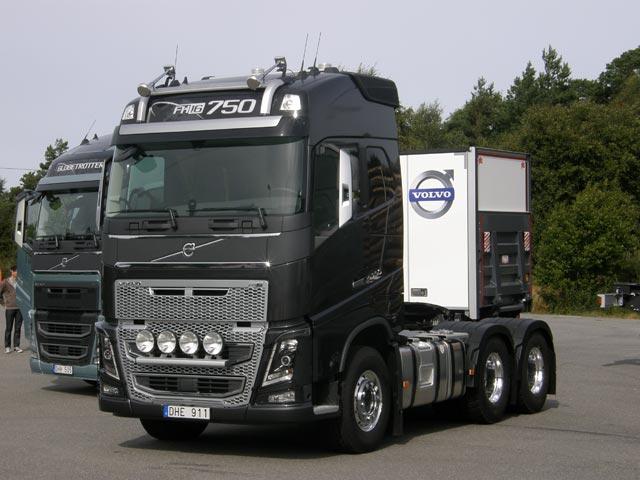 Por el momento el nuevo Volvo FH16 conserva los actuales motores de hasta 750 CV Euro 5 y EEV.