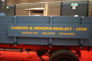 Un moderno eslogan para un moderno camión.
