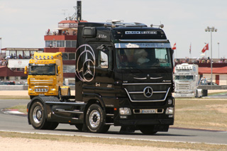 Mercedes Benz Actros Black Edition.