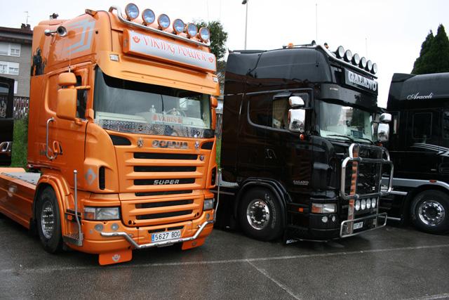 ¿Naranja o negro? Siempre espectaculares, en diferentes estilos los Scania Topline de la serie R.