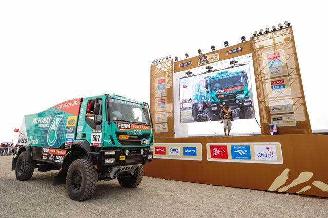 Los Iveco Trakker 4x4 participantes en el Dakar 2013 superan los 800 CV de potencia máxima.