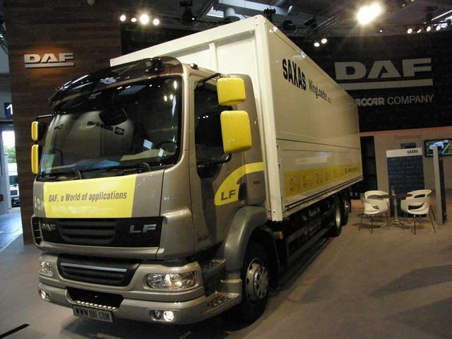 DAF ahora quiere promocionar sus chasis rígidos adecuados a todas las especialidades, como este LF en versión tres ejes.