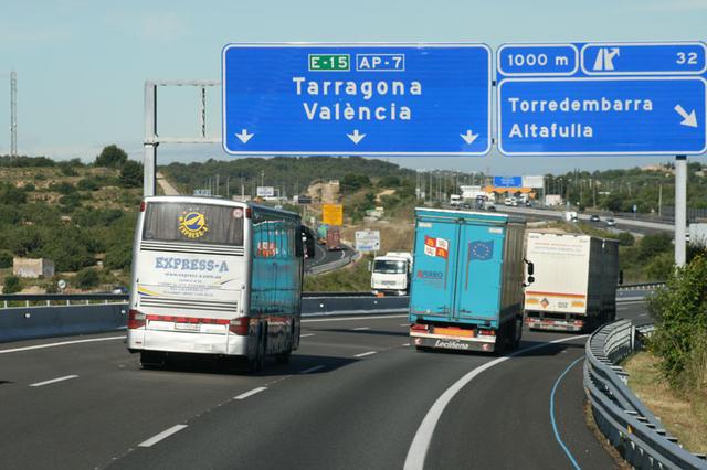 La autopista es el tipo de vía estudiado con tasa de mortalidad menor.