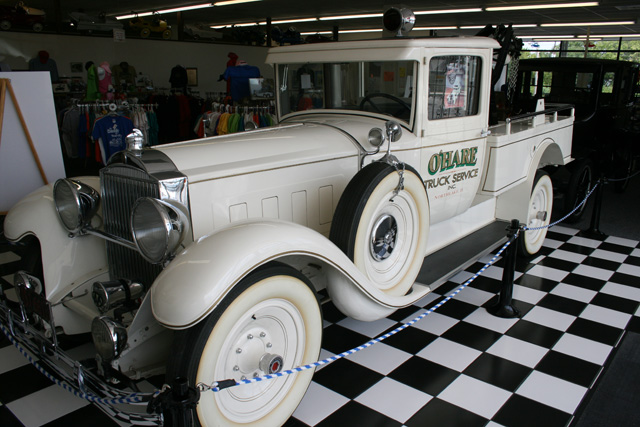 Turismo de lujo Packard modificado como grúa de rescate de 1929.