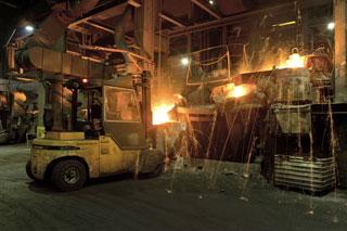 Desde la factoría de Manheim se fabrican los motores Mercedes OM471, Fuso y algunos componentes de los DD13.
