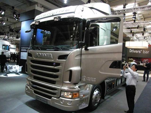 En la Serie R de Scania tanto encontramos ahorrativos camiones con motores de seis cilindros en línea como impresionantes V8.