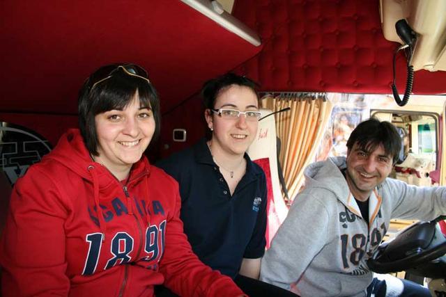 Rocío, Marina y José Manuel, parte de la familia Cañadas que fueron nuestros anfitriones.