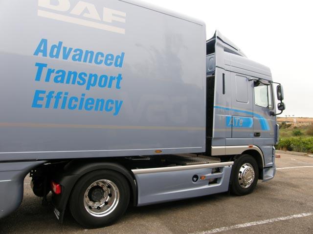 La tractora de pruebas cuenta con depósito de 430 litros de gasóleo y 100 litros de Adblue.