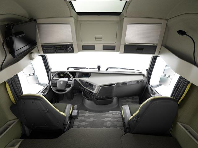 En el interior del nuevo Volvo FH disponemos de 1 m3 suplementario y hasta 2,11 metros de altura libres.