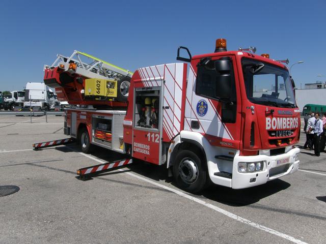 El Cuerpo de Bomberos de Cartagena es de los primeros de España en operar el nuevo modelo de escala articulada Iveco Magirus.