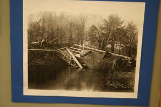 La colección de antiguas fotografías de operaciones de rescate de este museo resulta espectacular.