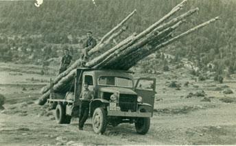Este camión GMC se empleaba para talar árboles que servirían como puntales en las minas.