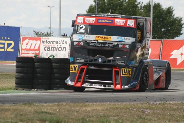 El suizo Markus Bössiger fue el piloto mejor clasificado en la temporada anterior con Renault Premium Corse.