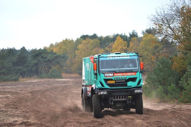 El equipo Derooy Iveco cuenta con un Strator y dos Trakker en la categoría de camiones de competición.