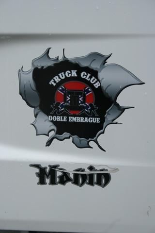 Doble embrague, un grupo de entusiastas camioneros.