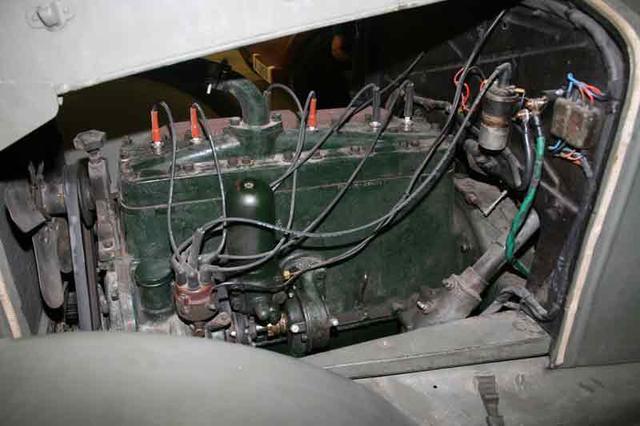 Los viejos motores eran simples, muy resisitentes y de gasolina.