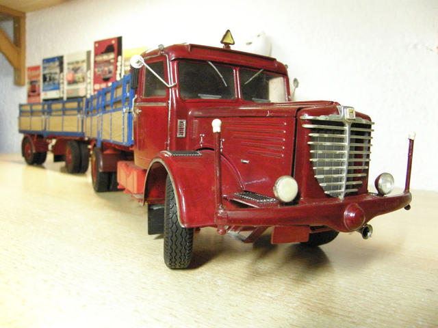 Este Büssing 8000 fue uno de los primeros trenes de carretera en volver a las autopistas alemanas tras la Segunda Guerra Mundial